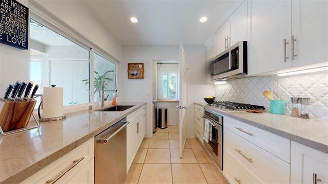 135 Countrywood Ln, Encinitas, CA 92024 (#190040314) :: California Realty Experts