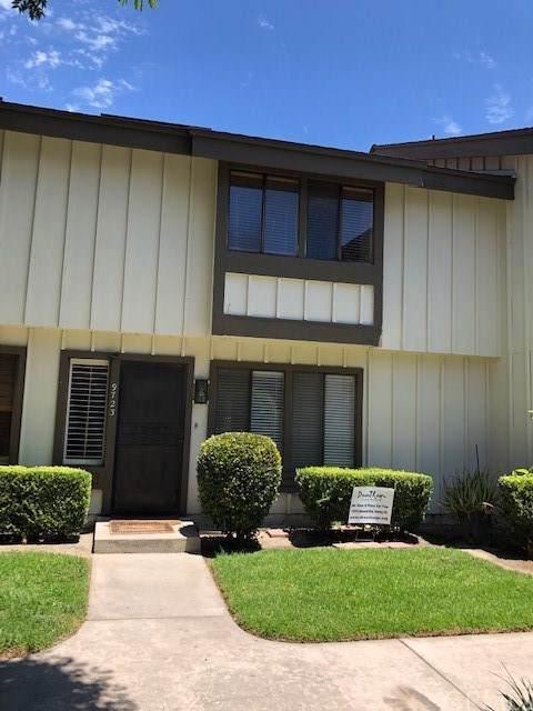 9723 Karmont Avenue, South Gate, CA 90280 (#IV19172963) :: Bob Kelly Team