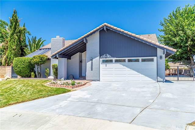 2069 Top Circle, Lancaster, CA 93536 (#SR19173310) :: DSCVR Properties - Keller Williams