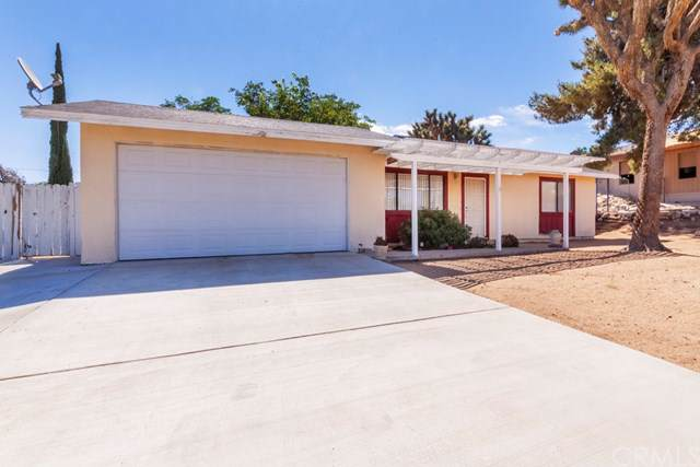 7745 Cherokee, Yucca Valley, CA 92284 (#JT19171004) :: RE/MAX Innovations -The Wilson Group