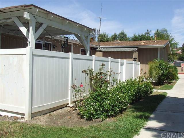 25892 Via Lomas #16, Laguna Hills, CA 92653 (#NP19166541) :: Fred Sed Group