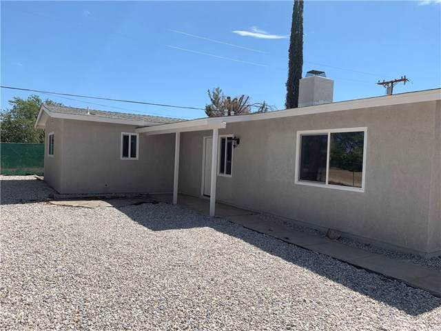 16885 Crestview Drive, Victorville, CA 92395 (#IV19173980) :: Fred Sed Group