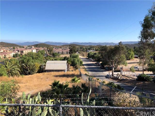 35810 Duster Road, Murrieta, CA 92562 (#SW19174220) :: The Brad Korb Real Estate Group