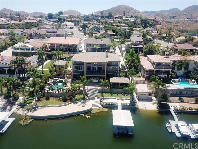 22000 Village Way, Canyon Lake, CA 92587 (#SW19174280) :: Heller The Home Seller
