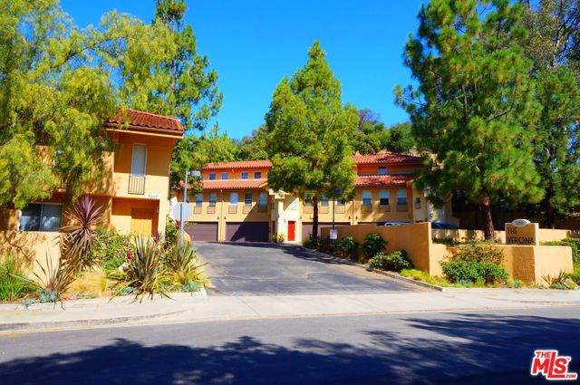3200 Foothill Drive, Westlake Village, CA 91361 (#19494646) :: J1 Realty Group