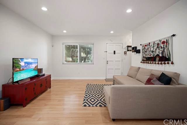 360 Obispo Avenue #9, Long Beach, CA 90814 (#OC19180534) :: Fred Sed Group