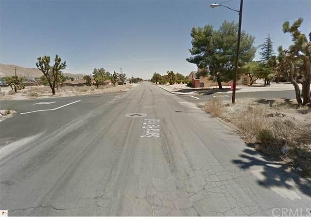2 Santa Fe, Yucca Valley, CA 92284 (#IV19174908) :: Team Tami