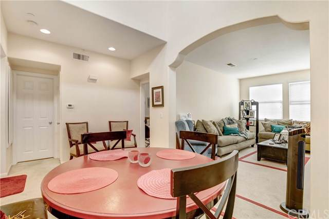 916 Bloomfield Avenue, San Marcos, CA 92078 (#PW19182502) :: Rogers Realty Group/Berkshire Hathaway HomeServices California Properties