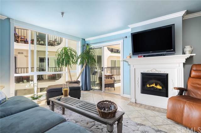 565 Esplanade #204, Redondo Beach, CA 90277 (#SB19179948) :: The Miller Group