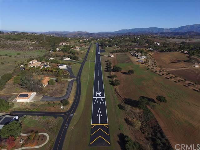 30306 Airflight Drive, Valley Center, CA 92082 (#SW19182912) :: Keller Williams Realty, LA Harbor