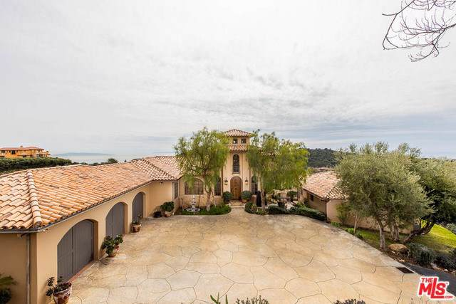 2656 Vista Del Mar Road, Topanga, CA 90290 (#19495542) :: Team Tami