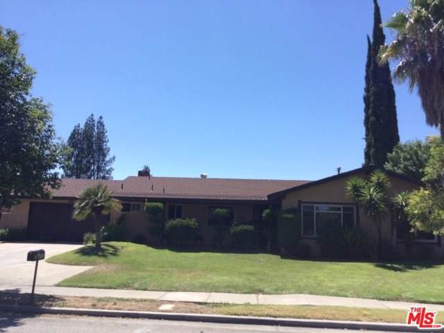 6135 N Maroa Avenue, Fresno, CA 93704 (#19496286) :: The Laffins Real Estate Team
