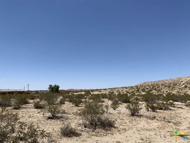 72967 Sullivan Road, 29 Palms, CA 92277 (#19495672PS) :: Heller The Home Seller