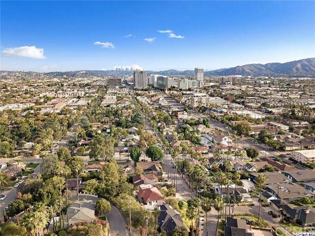 1455 Dwight Drive, Glendale, CA 91207 (#319003210) :: The Brad Korb Real Estate Group