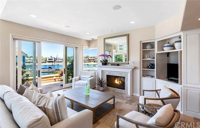 109 N Bay Front, Newport Beach, CA 92662 (#LG19187133) :: Fred Sed Group