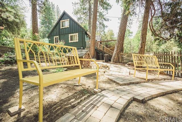 43207 W Sugar Pine Drive, Oakhurst, CA 93644 (#FR19188112) :: RE/MAX Innovations -The Wilson Group
