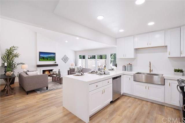 938 Azalea Drive, Costa Mesa, CA 92626 (#OC19182392) :: A G Amaya Group Real Estate