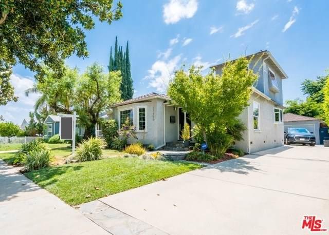 17450 Haynes Street, Lake Balboa, CA 91406 (#19496124) :: Veléz & Associates