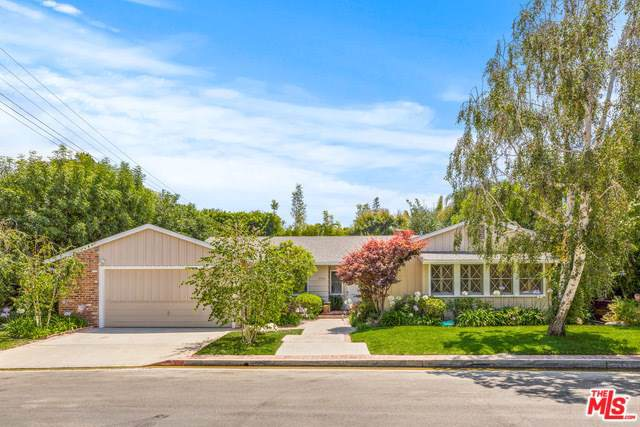 12100 Inavale Place, Los Angeles (City), CA 90049 (#19496258) :: California Realty Experts