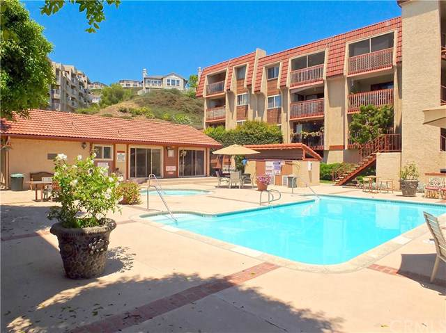 2101 E 21St. #304, Signal Hill, CA 90755 (#PW19190048) :: California Realty Experts