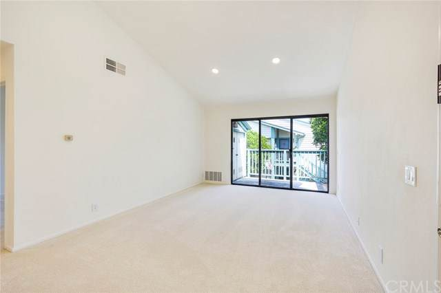 20545 S Vermont Avenue #4, Torrance, CA 90502 (#PW19190626) :: Rogers Realty Group/Berkshire Hathaway HomeServices California Properties