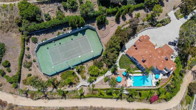 10696 Skyline Drive, North Tustin, CA 92705 (#PW19190325) :: Fred Sed Group