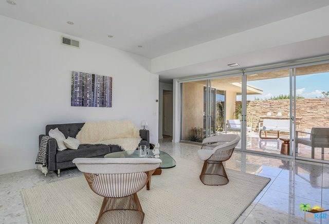 155 Desert Lakes Drive, Palm Springs, CA 92264 (#19498670PS) :: McLain Properties