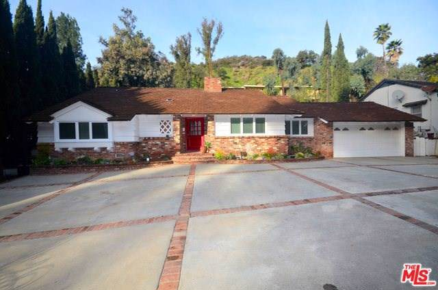 2201 Coldwater Canyon Drive, Beverly Hills, CA 90210 (#19498878) :: Z Team OC Real Estate
