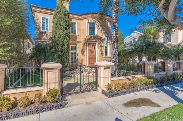 1806 E Balboa Boulevard, Newport Beach, CA 92661 (#NP19192394) :: Fred Sed Group