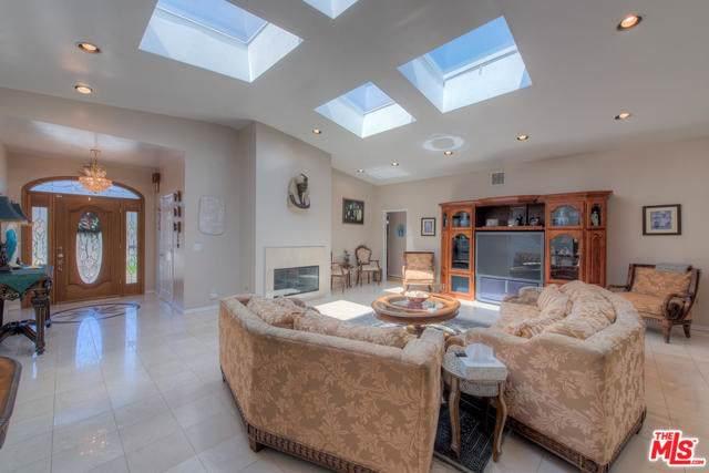9336 Creemore Drive, Tujunga, CA 91042 (#19499198) :: Allison James Estates and Homes