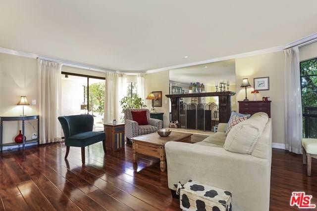 10409 Riverside Drive #104, Toluca Lake, CA 91602 (#19499012) :: The Brad Korb Real Estate Group