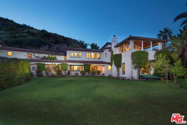 9641 Royalton Drive, Beverly Hills, CA 90210 (#19499338) :: Team Tami