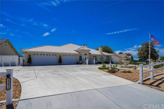12426 Reata Road, Apple Valley, CA 92308 (#RS19182027) :: California Realty Experts