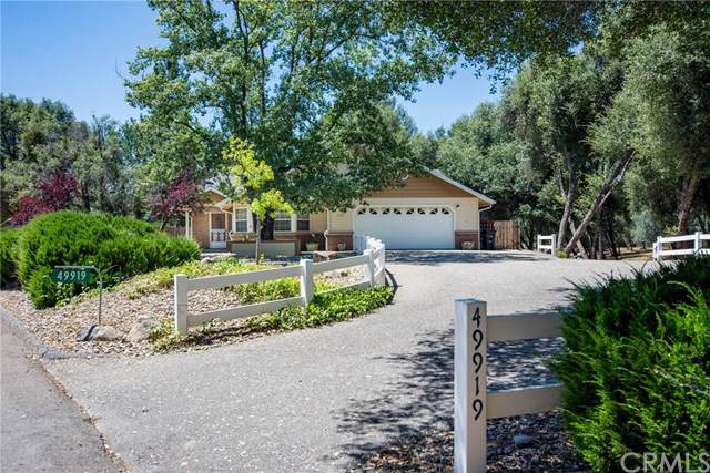 49919 Meadowview Drive, Oakhurst, CA 93644 (#FR19194423) :: RE/MAX Innovations -The Wilson Group