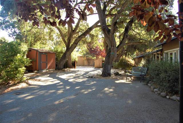 1 Calle De La Paloma, Carmel Valley, CA 93924 (#ML81764539) :: McLain Properties