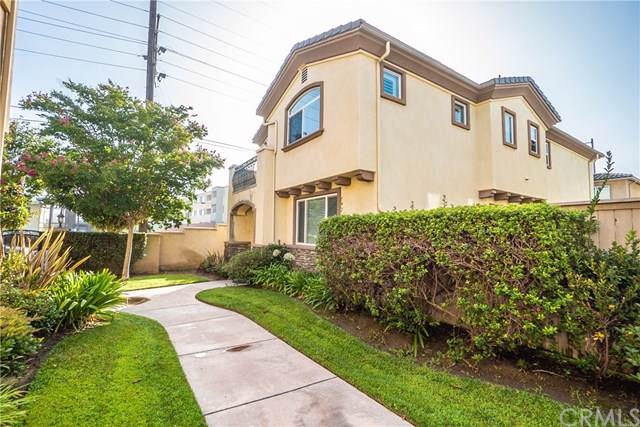 8358 Telegraph Road, Downey, CA 90240 (#DW19194397) :: California Realty Experts