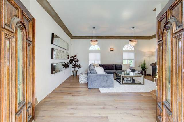 940 Rosecrans Avenue, Manhattan Beach, CA 90266 (#SB19195452) :: Rogers Realty Group/Berkshire Hathaway HomeServices California Properties