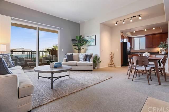 4060 Glencoe Avenue #404, Marina Del Rey, CA 90292 (#SB19187253) :: Crudo & Associates