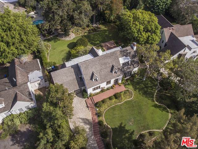 10426 Lindbrook Drive, Los Angeles (City), CA 90024 (#19499448) :: Heller The Home Seller