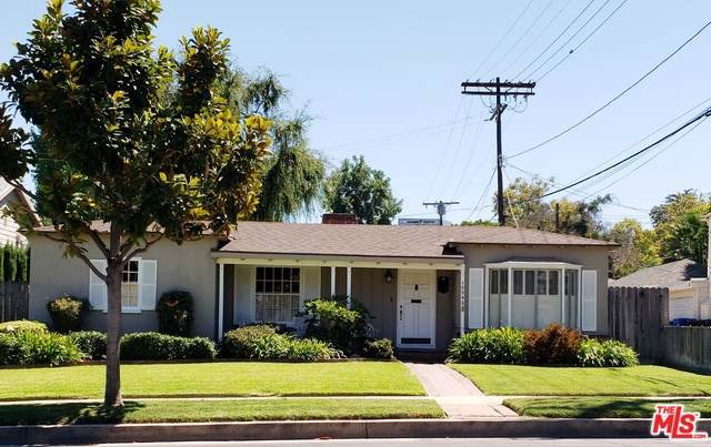 10542 Moorpark Street, Toluca Lake, CA 91602 (#19500540) :: The Brad Korb Real Estate Group