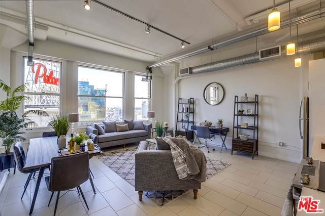 939 S Broadway #805, Los Angeles (City), CA 90015 (#19500558) :: Heller The Home Seller