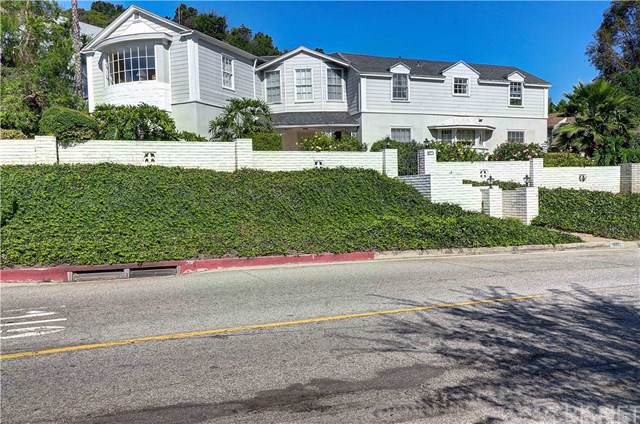 4209 Woodcliff Road, Sherman Oaks, CA 91403 (#SR19186350) :: California Realty Experts