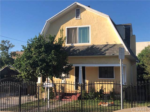 921 E 32nd Street, Los Angeles (City), CA 90011 (#WS19196205) :: Heller The Home Seller