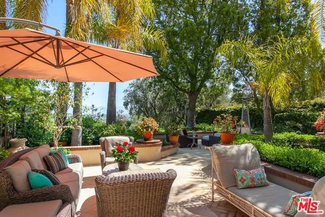 2200 Canyonback Road, Los Angeles (City), CA 90049 (#19499862) :: Veléz & Associates