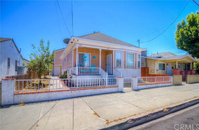 335 W 15th Street, San Pedro, CA 90731 (#SB19194718) :: Rogers Realty Group/Berkshire Hathaway HomeServices California Properties