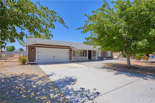 22127 Isatis Avenue, Apple Valley, CA 92307 (#IV19196499) :: California Realty Experts