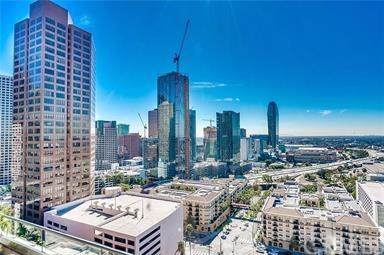 1100 Wilshire Boulevard #1812, Los Angeles (City), CA 90017 (#PW19196753) :: Heller The Home Seller