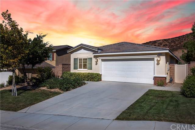 34220 Kalanchoe Road, Lake Elsinore, CA 92532 (#SW19195616) :: Fred Sed Group