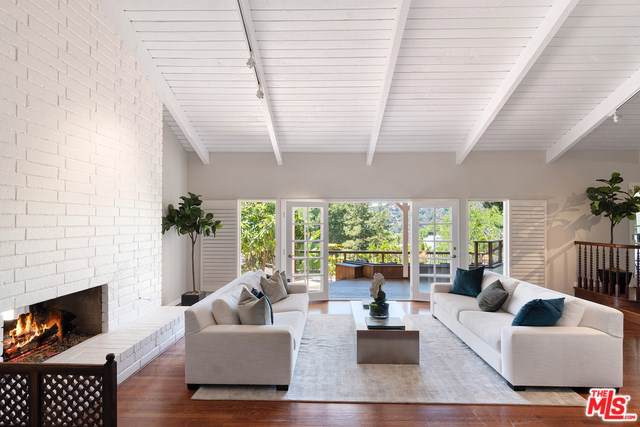 9472 Rembert Lane, Beverly Hills, CA 90210 (#19500544) :: Veléz & Associates