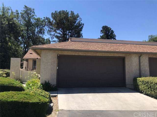 20008 Avenue Of The Oaks, Newhall, CA 91321 (#SR19196860) :: California Realty Experts